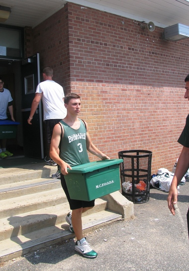East Brunswick High School football team joins in fight against hunger | NJ.com
